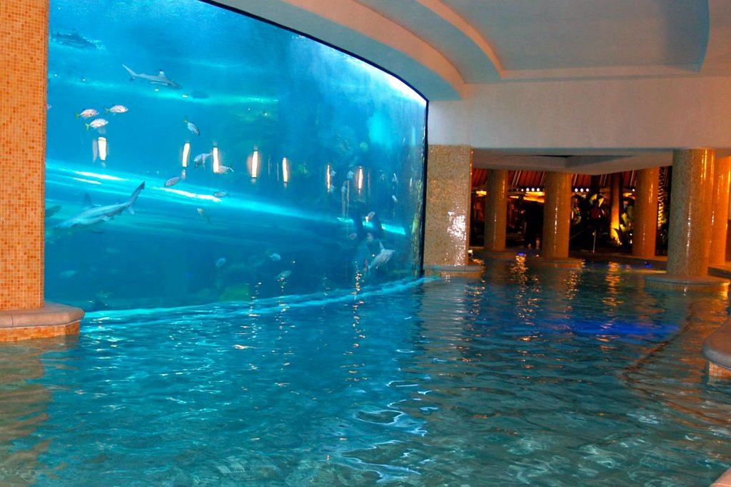 Golden-Nuggets-Pool-Las-Vegas