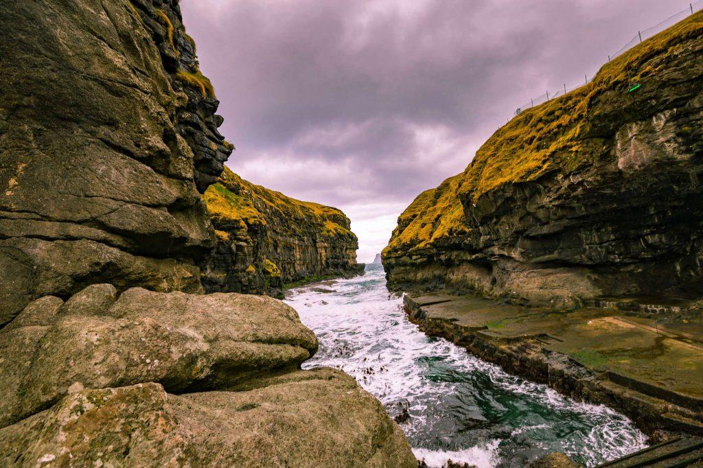 Clef-of-gjogv-Faroer-Eilanden