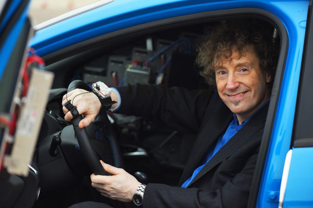 Je wordt pas echt gelukkig van een sportauto. Een bewezen feit.