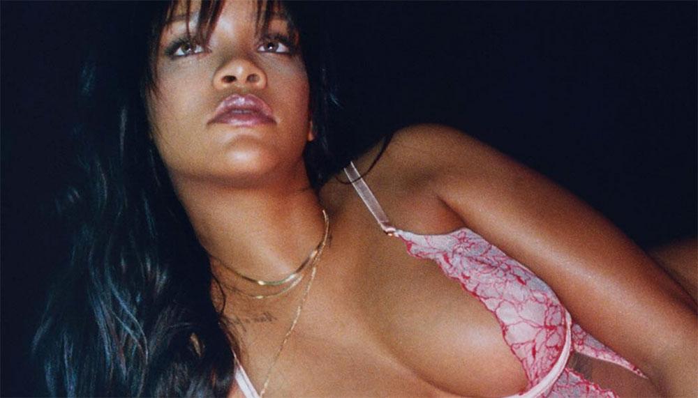 Rihanna - of moeten we zeggen: LingeRiRi - lanceert een vrij sexy lingerielijn met daarin voor iedere vrouw iets. Of je als vrouw nu dun, dik, groot, lang, breed of smal bent, de Savage x Fenty-lingerie sluit geen enkel lichaamstype buiten.
