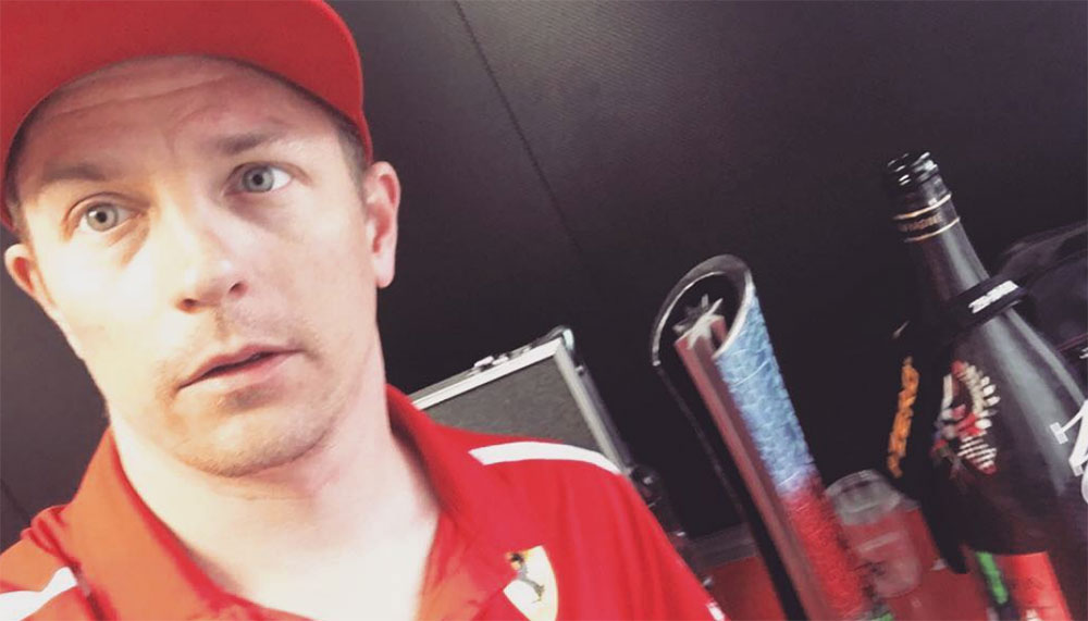 Kimi Räikkönen draagt de bijnaam The Iceman met trots. Zelden verandert zijn gezicht van uitdrukking en zijn quotes beperken zich tot het absolute minimum aantal woorden. Sinds december 2017 heeft de Formule 1-coureur Instagram. Inmiddels blijkt de Instagram van Kimi Räikkönen een bron van gortdroog vermaak.