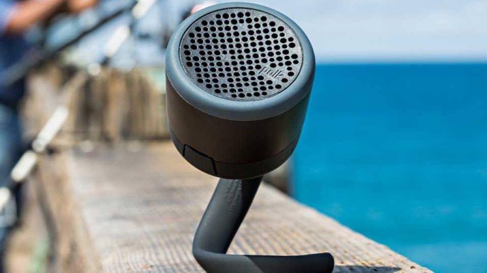 Waar andere speakers al snel nattigheid voelen, kun je de POLK Swimmer Duo Speakers met een gerust hart in je douche ophangen.
