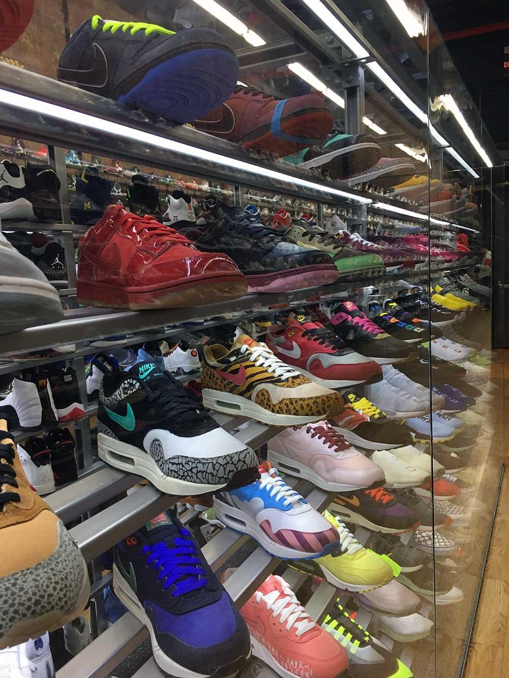 bfc01f4b324 Back to the Future Nikes zijn de duurste Nike sneakers - JFK