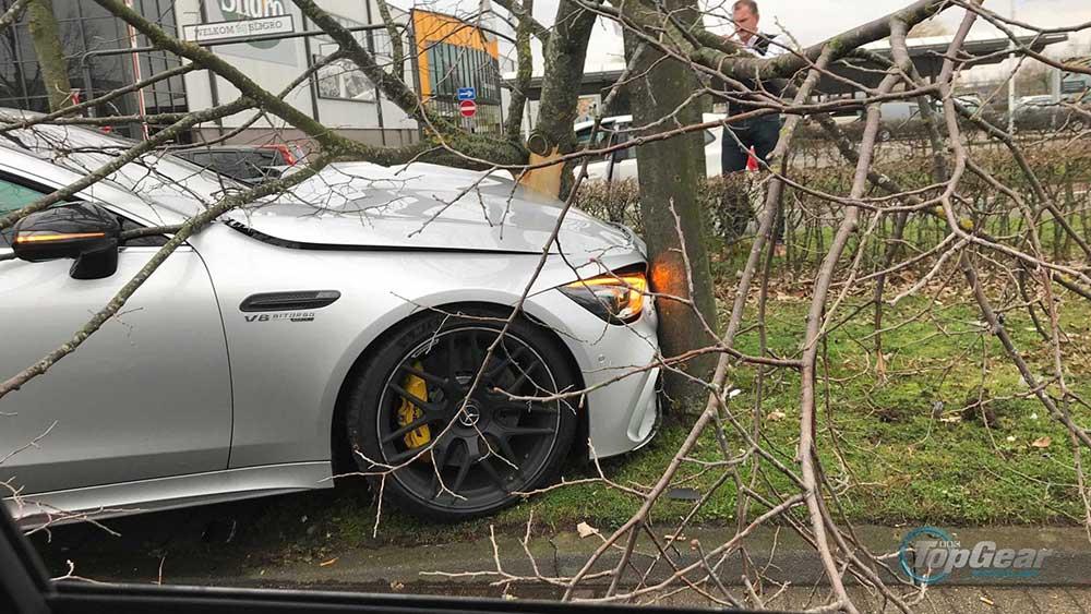 Mercedes-AMG GT 4-door crasht