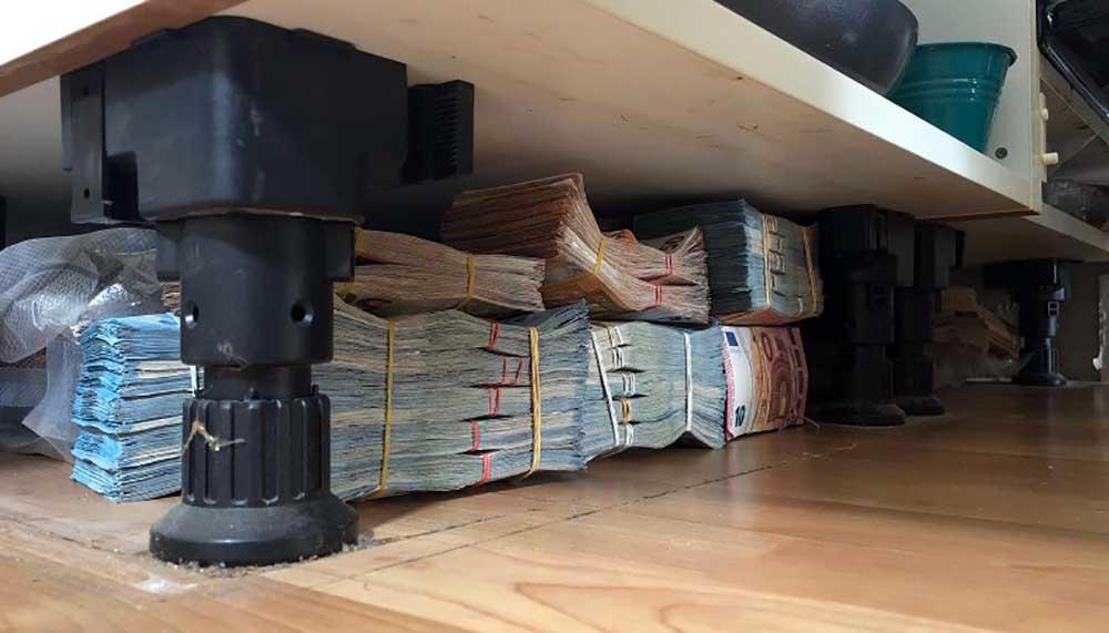 Rotterdammer verstopt 6 ton cash