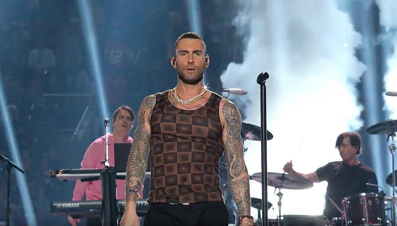 Halftime show van Maroon 5
