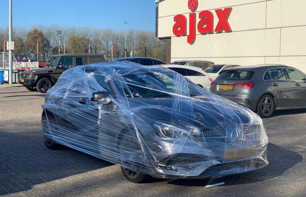 Lasse Schöne prankt Ajax-collega's