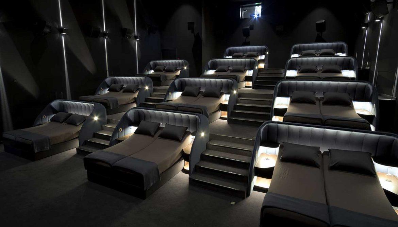 Bioscoop met bedden van Pathé