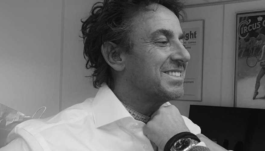Marco Borsato in De Kuip gekleed in Cavallaro Napoli
