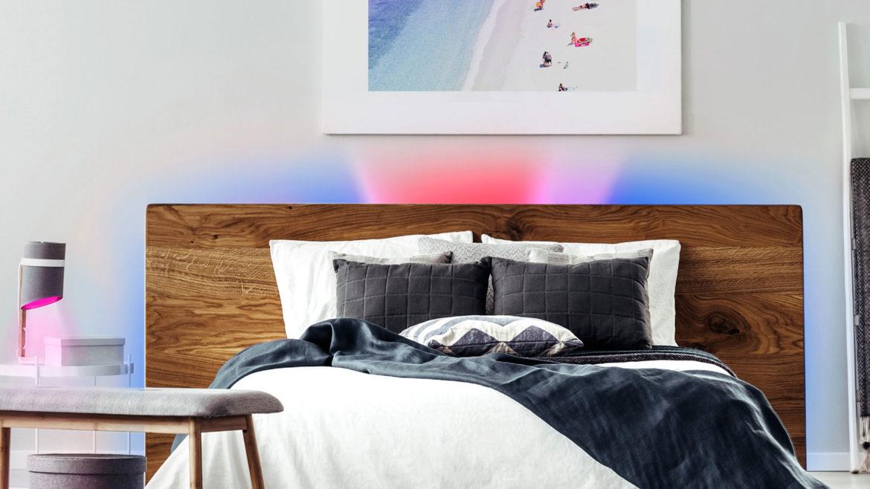 Lifx Z strip achter het bed