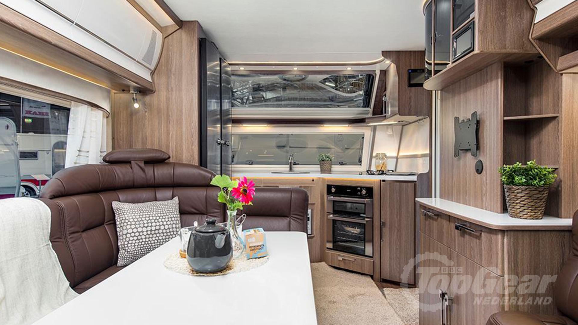 caravan met twee verdiepingen