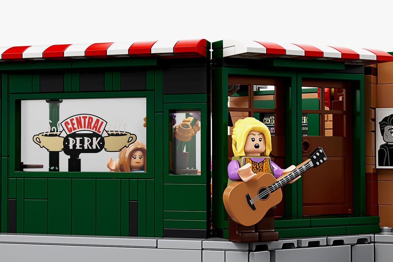 Phoebe Lego