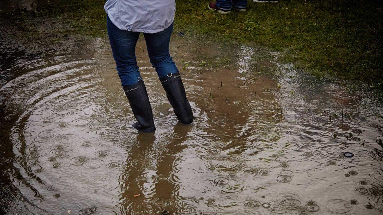 Regen tijdens Lowlands overleven