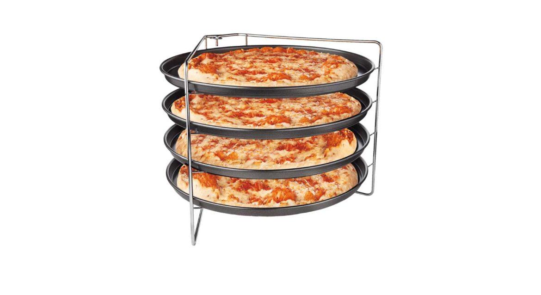 Vier pizzas tegelijk bakken