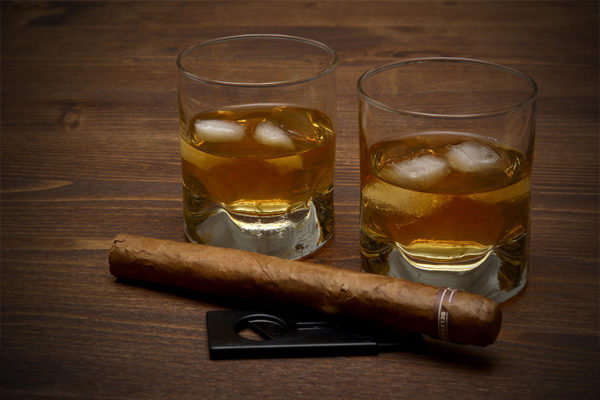 Sigaar en whiskey