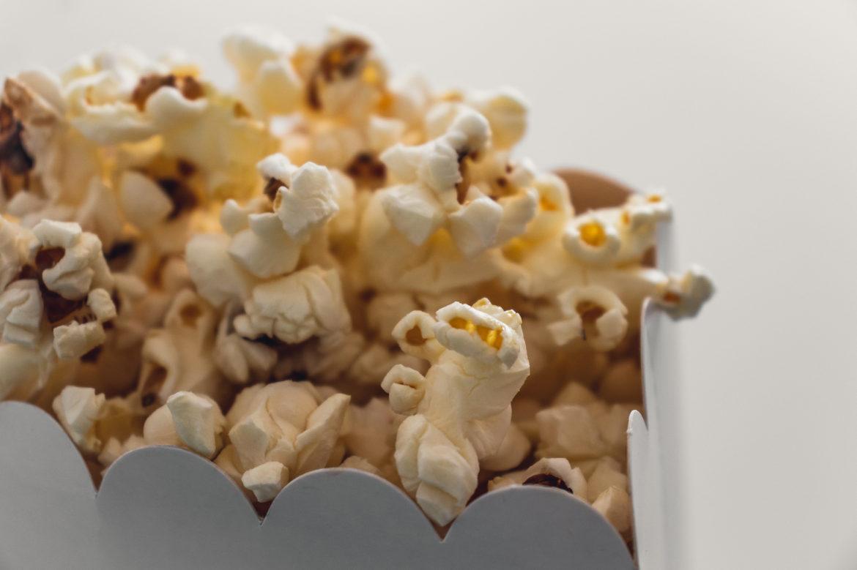 Thuisbioscoop popcorn