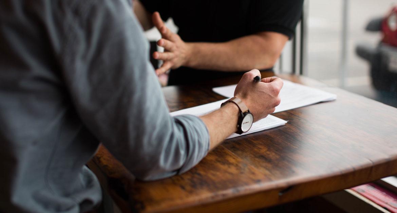 Stel vragen tijdens sollicitatiegesprek