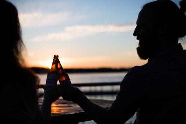 Goedkoop bier drinken in de zon
