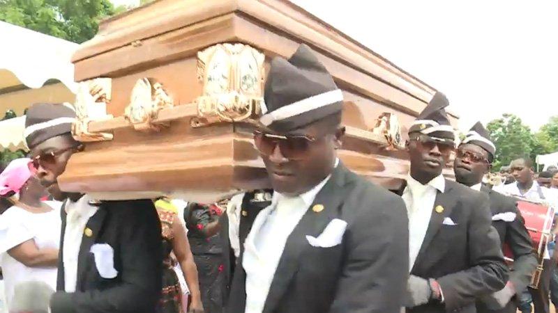 Waar komt de coffin dance crew meme vandaan?