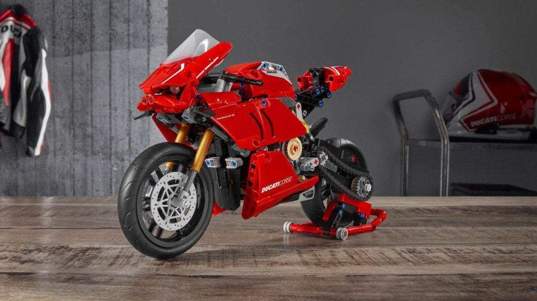 LEGO Ducati Paginale V4 R