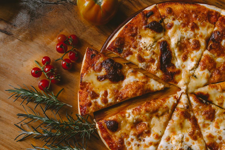 Diepvriespizza upgraden met drie tips