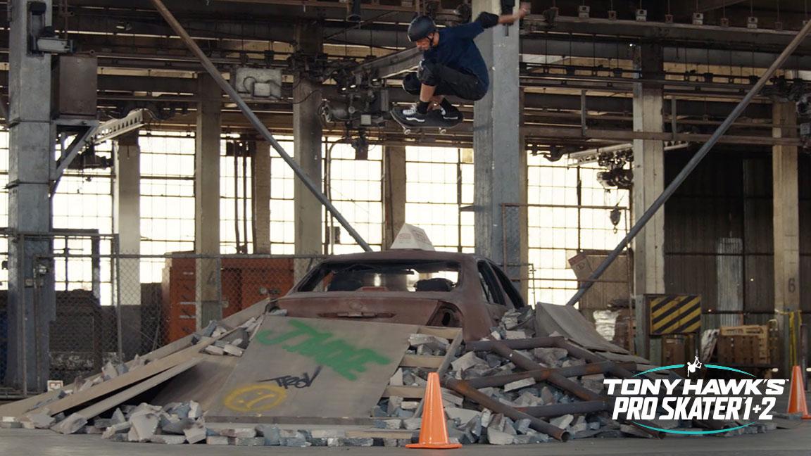 Tony Hawk skate in warehouse uit Tony Hawk's Pro Skater 1+2