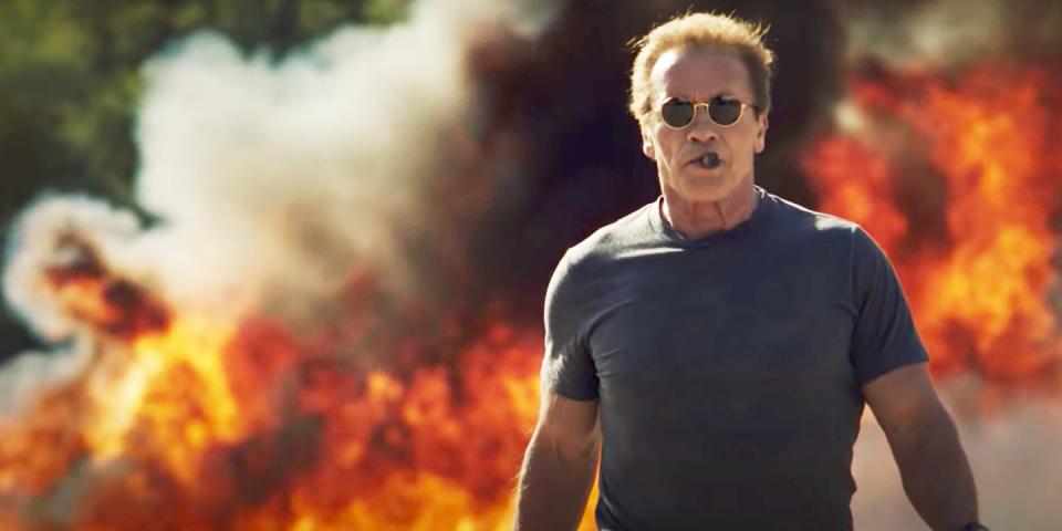 Arnold Schwarzenegger maakt eigen explosieve compilatie