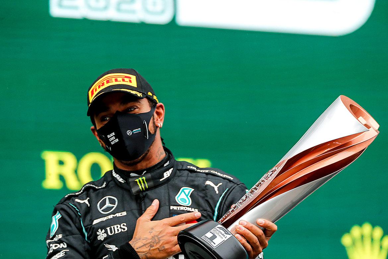 Lewis Hamilton mogelijk tot ridder geslagen