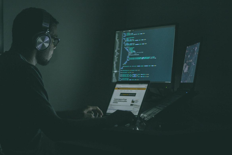 Hoe Nederlandse hackers de verkeerslichten door het land wisten te controleren