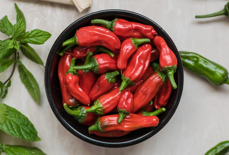 Mensen die regelmatig pittig eten leven langer, blijkt uit onderzoek