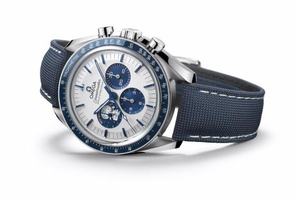 Coolste horloges van 2020: Omega Speedmaster 'Silver Snoopy Award' 50th Anniversary