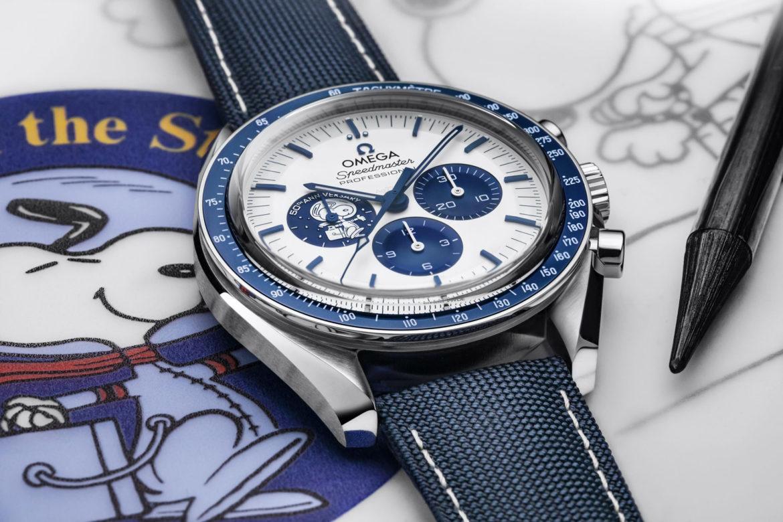 Coolste horloges van 2020: Omega Speedmaser 'Silver Snoopy Award' 50th Anniversary