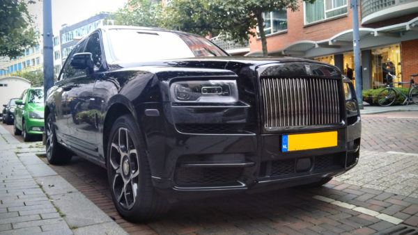 Duurste auto's van 2020: Rolls-Royce Cullinan Black Badge