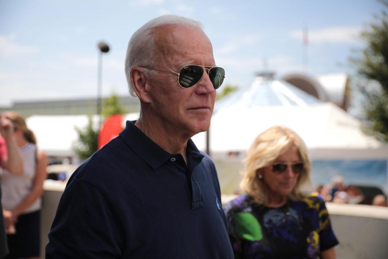 Maakt Ray-Ban Aviator zonnebril een comeback dankzij president Joe Biden?