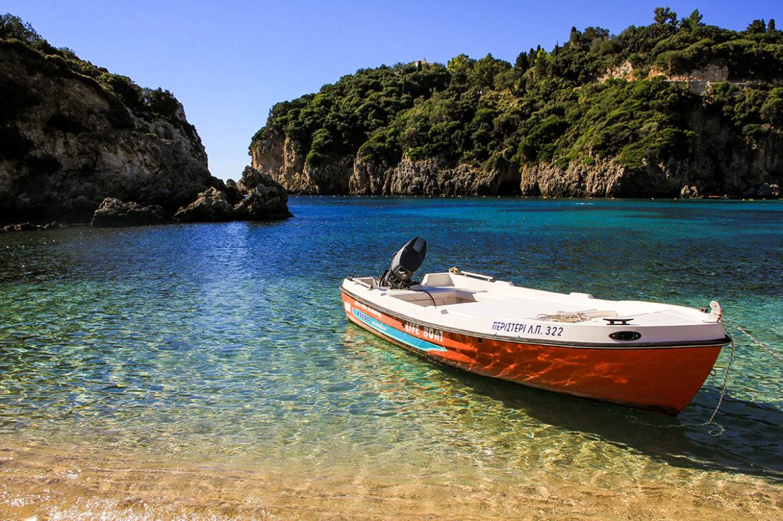 Win maand gratis 'thuiswerken' vanuit zonnige villa in Griekenland