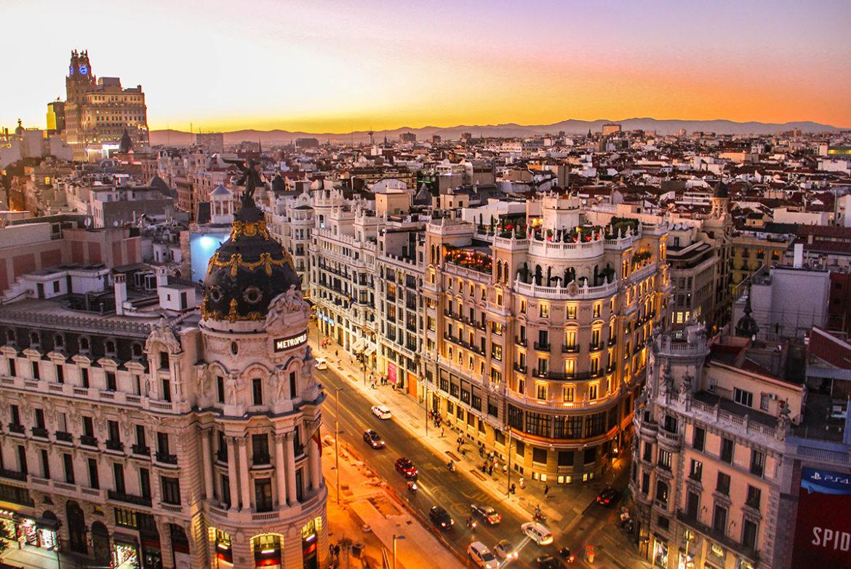 Win hotelkamer voor een jaar in Barcelona, Belijn of Wenen