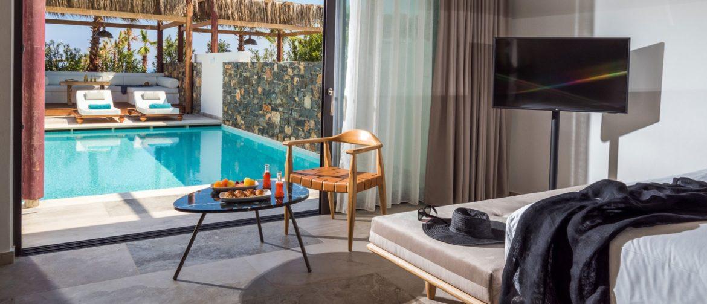 In dit Griekse resort plons je direct in je eigen zwembad en jacuzzi