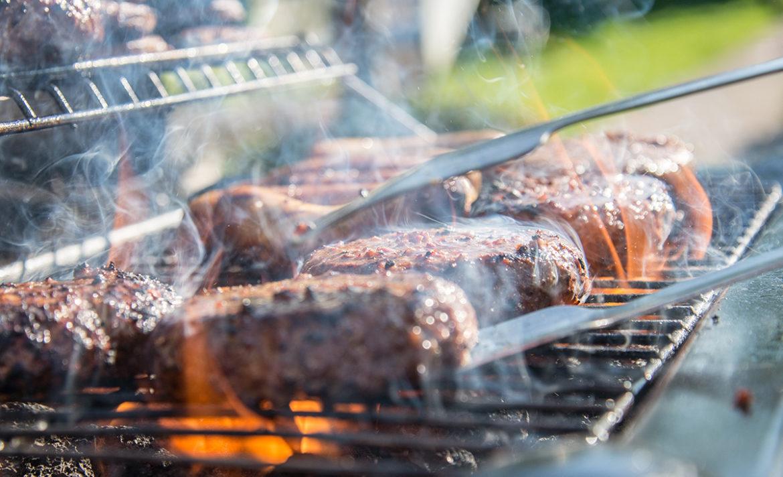 Hoe moet je de BBQ schoonmaken?
