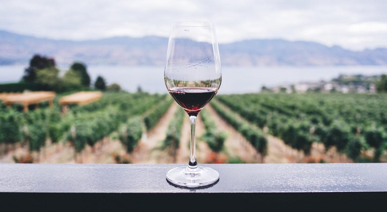 Drink gratis rode wijn uit de Italiaanse wijnfontein