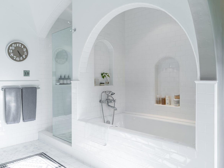 Leonardo DiCaprio koopt huis badkamer