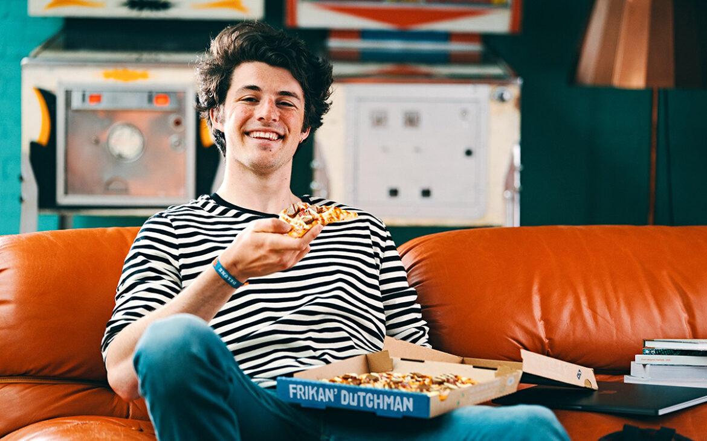 Domino's voegt pizza frikandel speciaal toe aan assortiment: Frikan'Dutchman