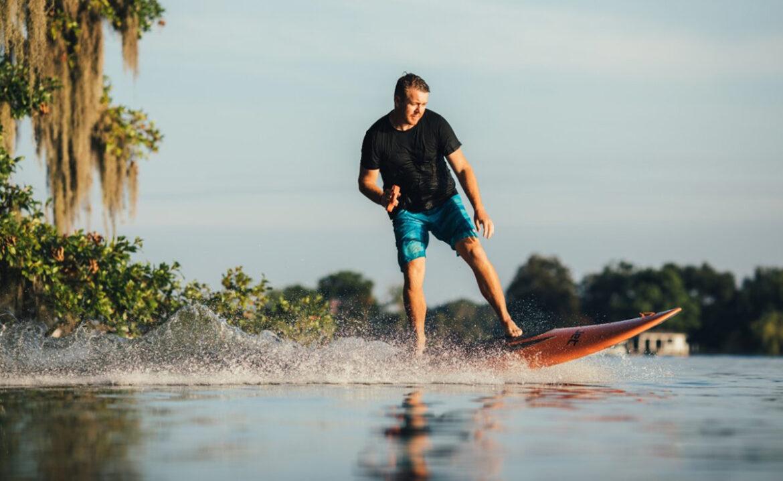 Suppen te veel werk? Yujet Surfer is een jetski-surfbord combinatie