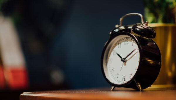 Vijf tips om eerder wakker worden makkelijker te maken