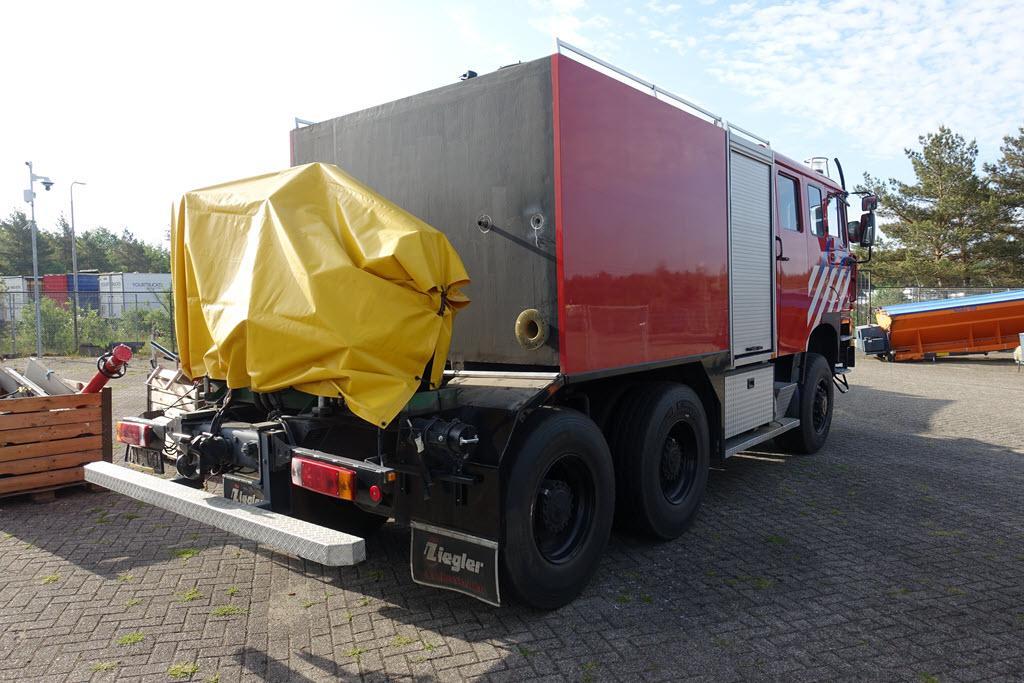 Rijksoverheid zet dikke 6x6 brandweerwagen te koop